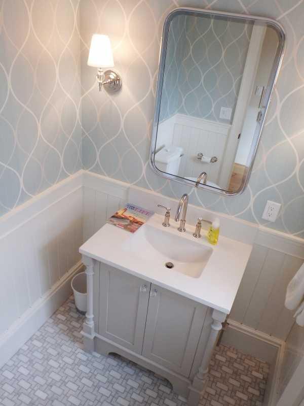 Tilery.capecod.marble.powderroom.tile.floor