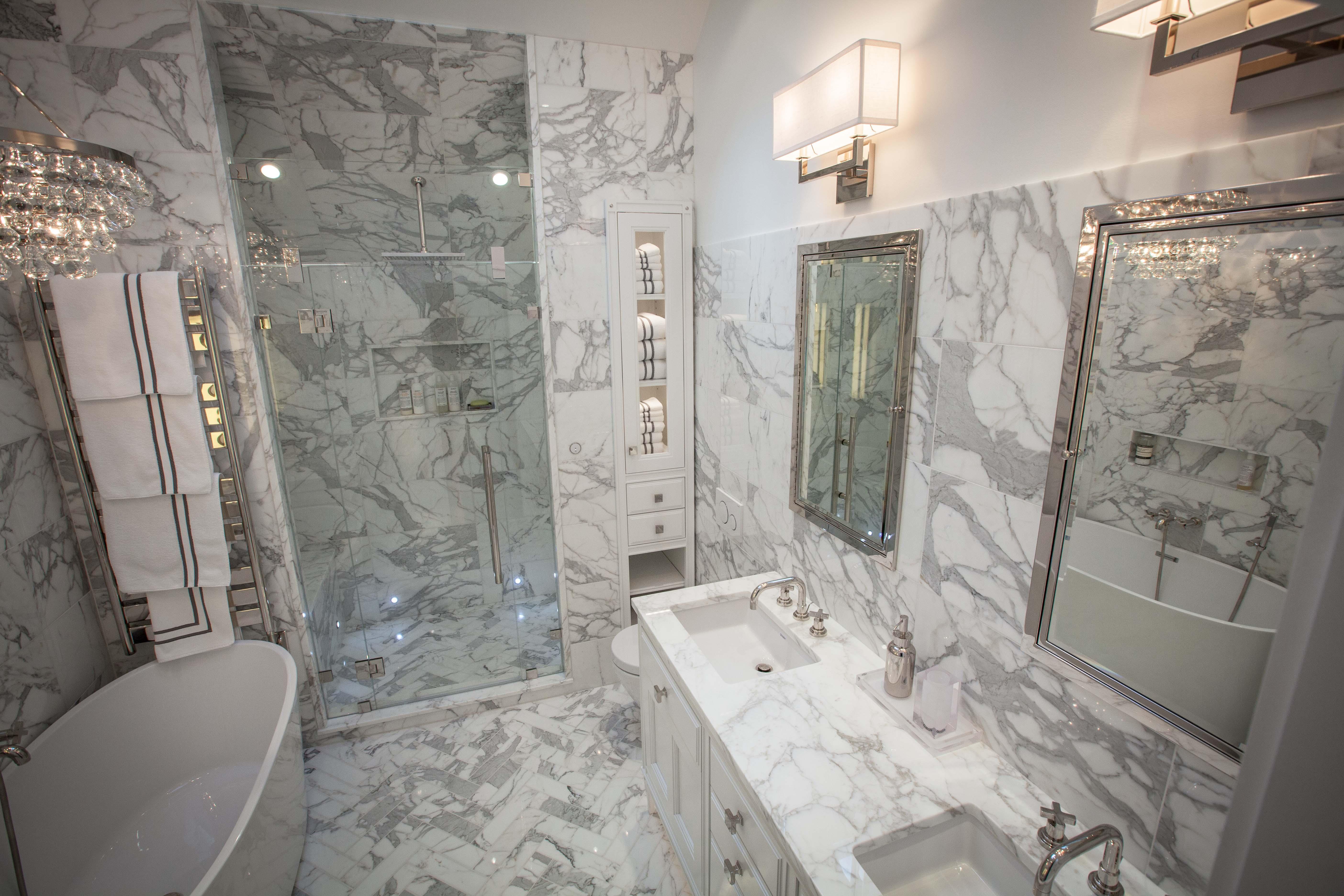 Inspiring Wood Look Porcelain Bath Floor Calacatta Gold