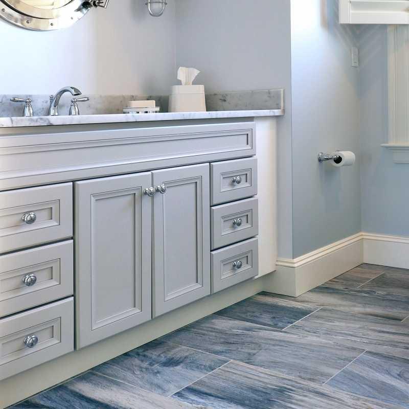 The-tilery-ocean blue bath floor